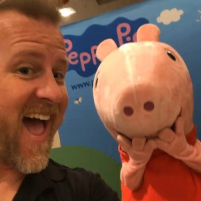 With Peppa there is always something to smile about – especially during the holidays! Merry Christmas to all!