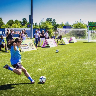 To celebrate #WorldFitnessDay, we are throwing it back to the Kids' Choice Sports Triple Shot Challenge! Young fans were given a unique opportunity through partnerships with MLS, NFL, & NBA. Select teams hosted tryouts at their practice and gameday facilities. Check out this awesome photo from the Portland Timbers' tryout event! ⚽️